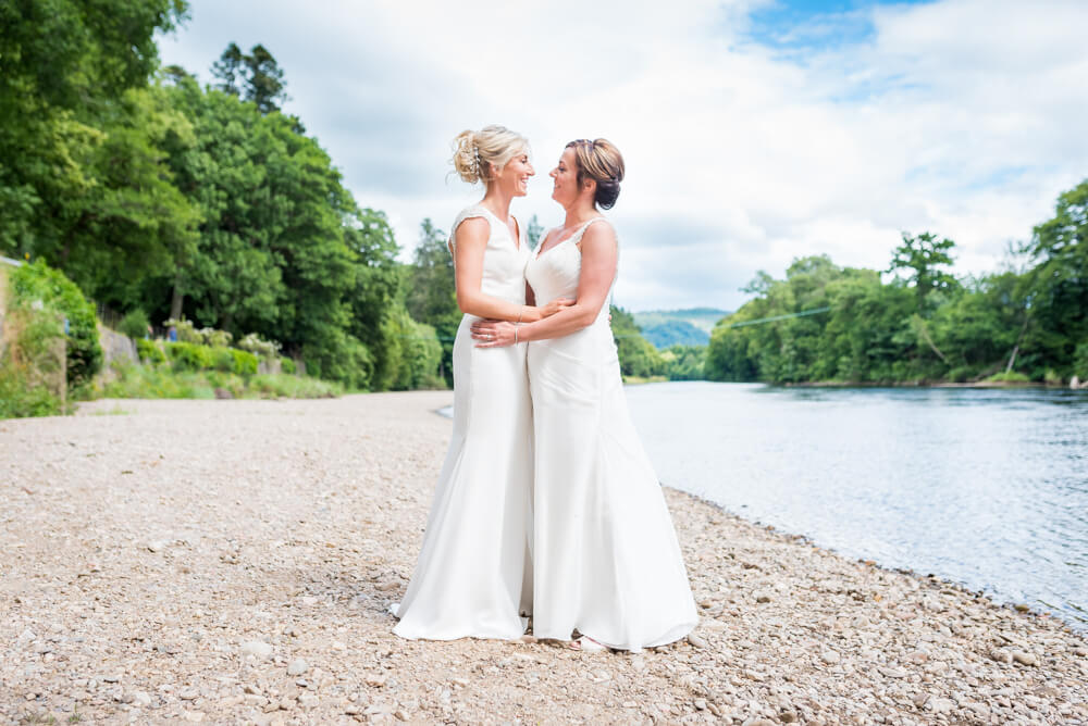 Brides looking into eaves other eyes on River Tay